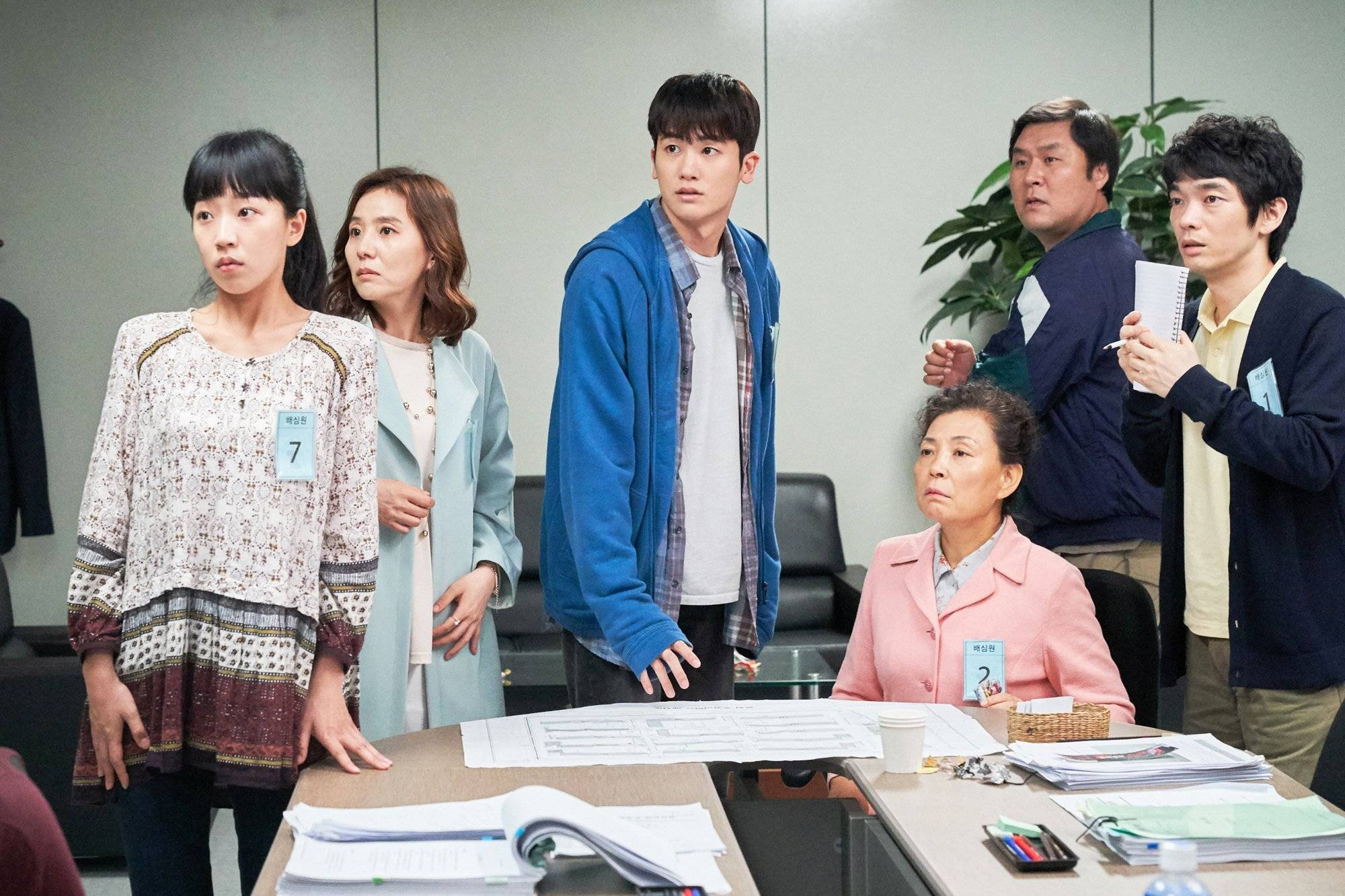 """Photo + Video] New Still and Trailer Added for the Upcoming Korean Movie  """"Juror 8"""" @ HanCinema :: The Korean Movie and Drama Database"""