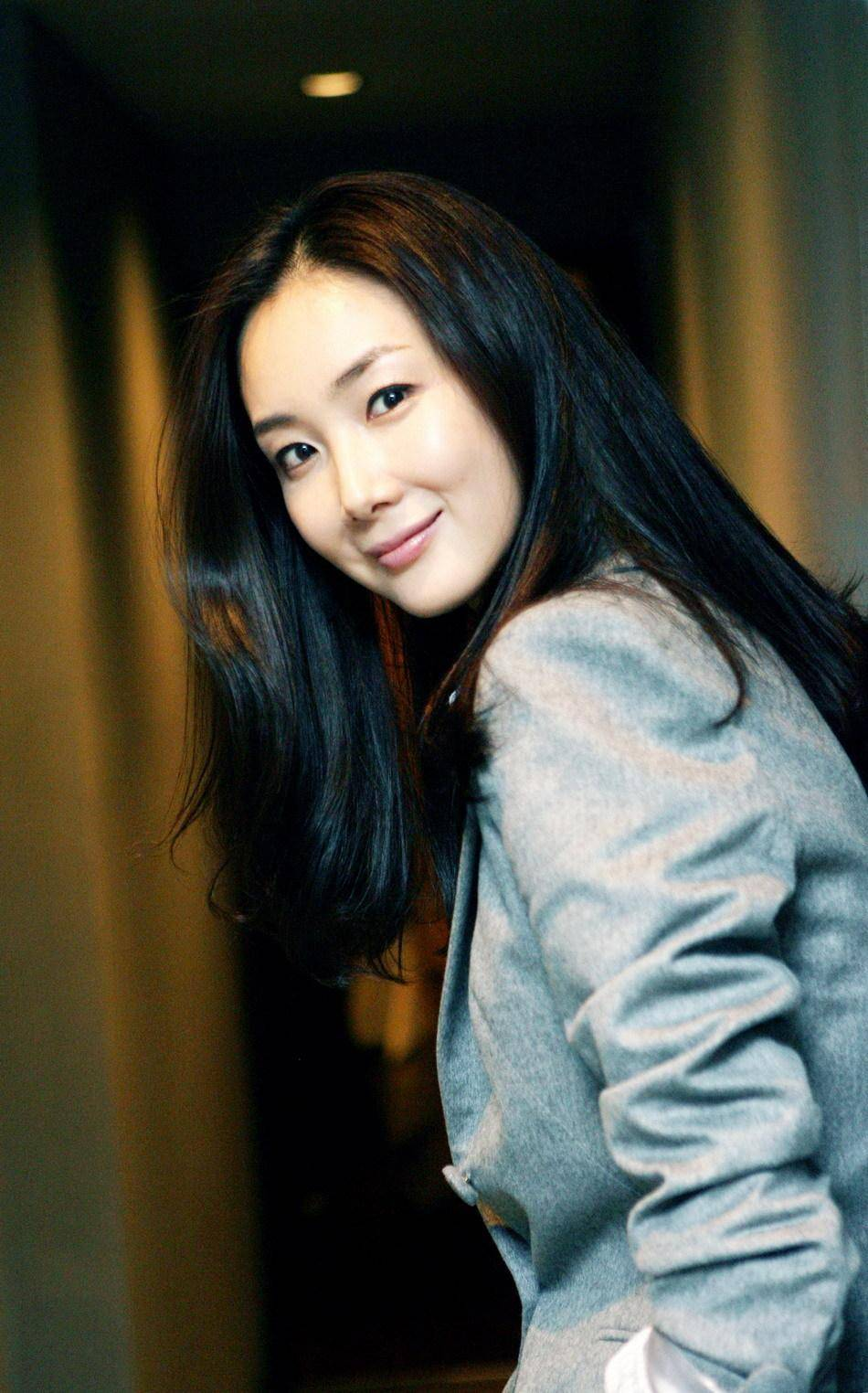 [Photos] Added more pictures for the Korean actress Choi Ji-woo @ HanCinema :: The Korean Movie