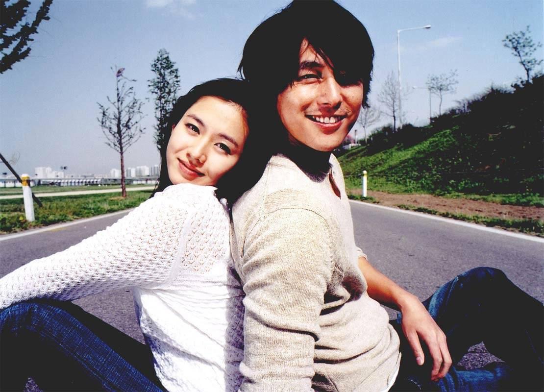 A Moment To Remember Korean Movie 2004 내 머리 속의 지우개 Hancinema The Korean Movie And Drama Database