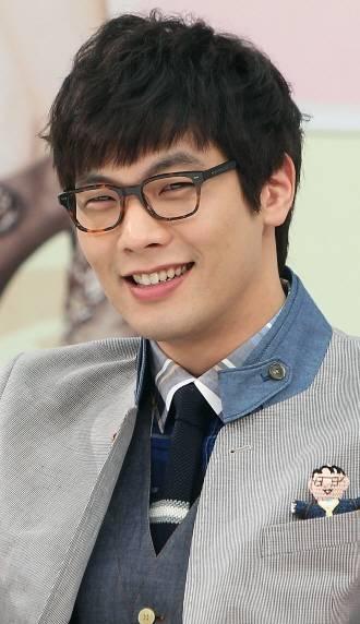 Choi Daniel S Glasses Hancinema The Korean Movie And