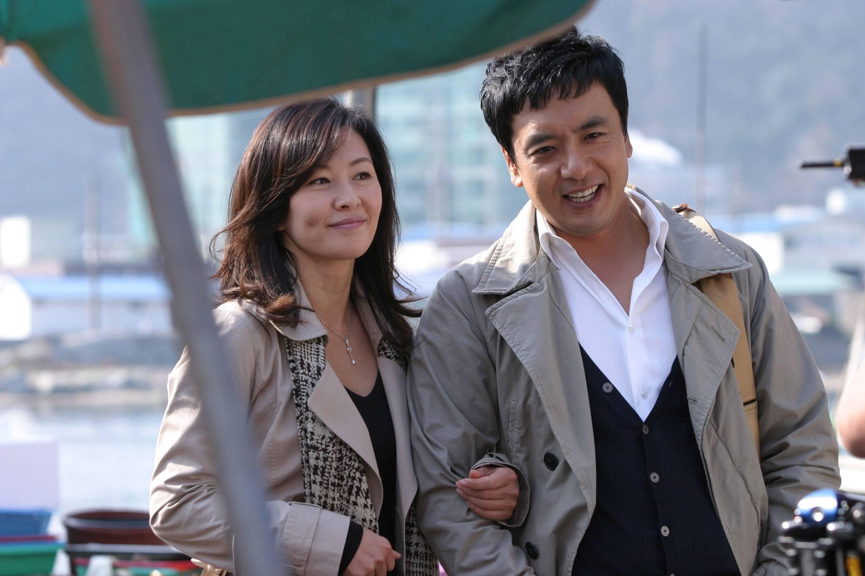 Horny Family Cast (Korean Movie - 2010) - 배꼽 @ HanCinema