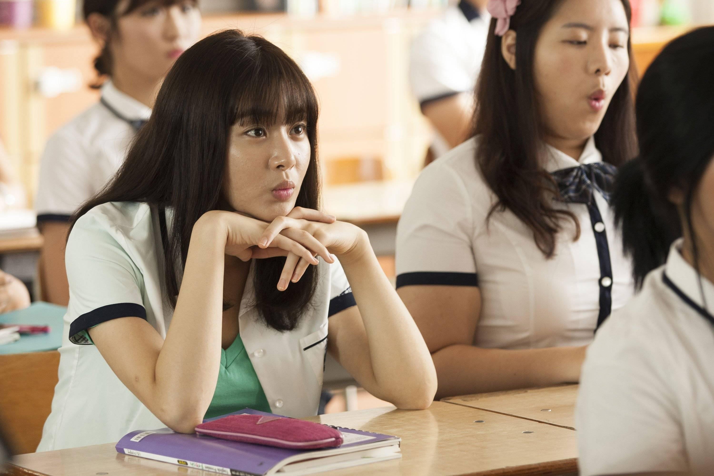 "Added new stills for the upcoming Korean movie ""Paparoti ..."