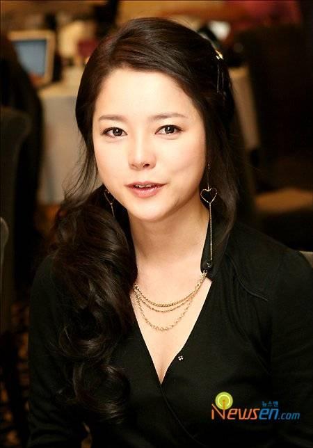 Eun-ju Choi Nude Photos 23