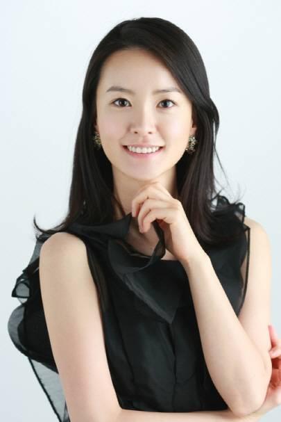 Yu-mi Jeong Nude Photos 24