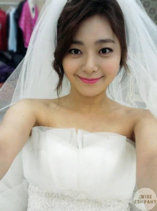 Lee Young Eun In A Wedding Dress Hancinema The Korean