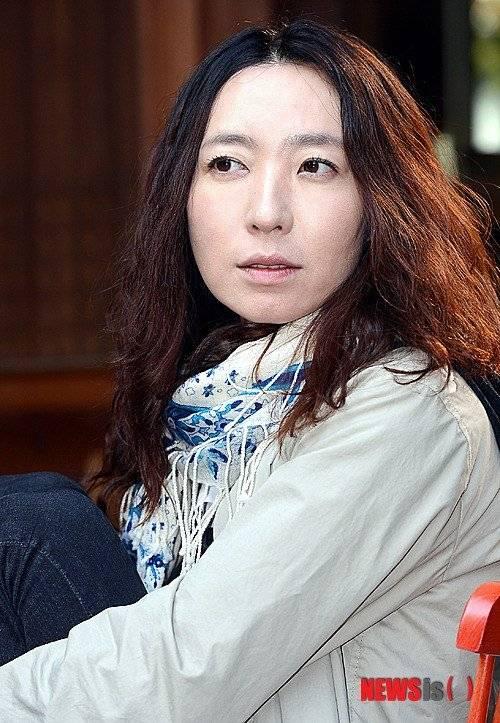Eun-jin Bang Nude Photos 37