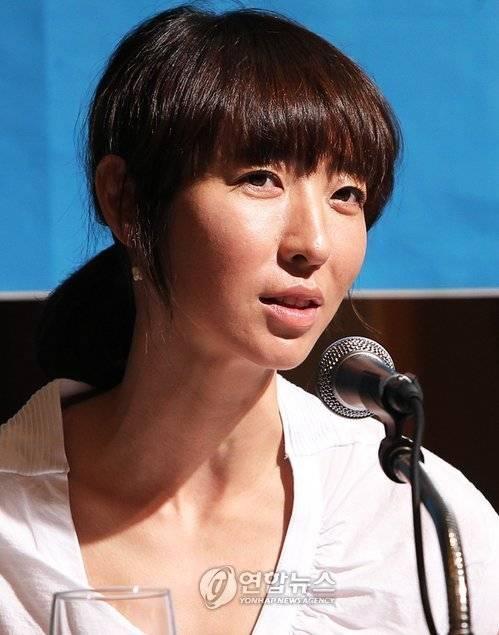 Eun-jin Bang Nude Photos 36