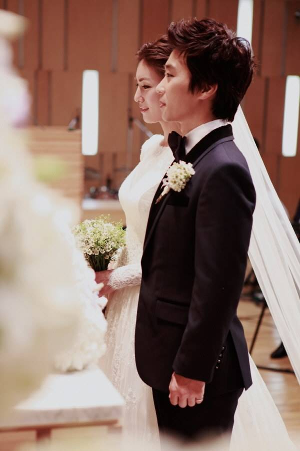 kim junghwa and yoo eunseong get married hancinema