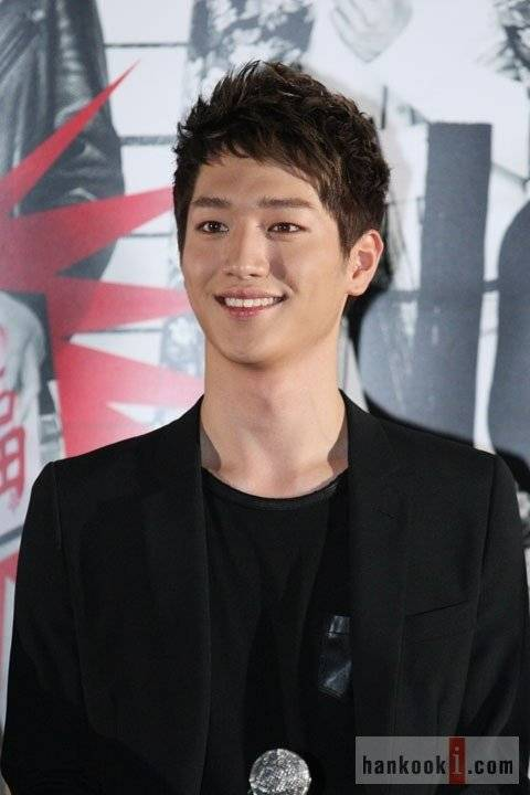 http://www.hancinema.net/photos/fullsizephoto359364.jpg