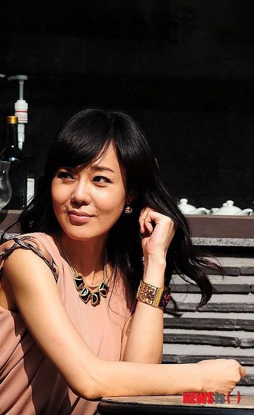 Yoon-jin Kim Nude Photos 32