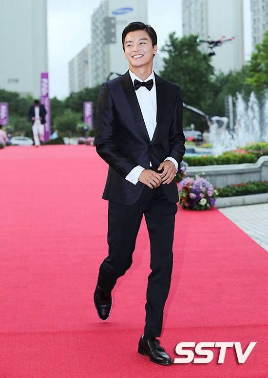 Photos] PiFan 2014 : Korean Celebrities on the Red Carpet @ HanCinema ...