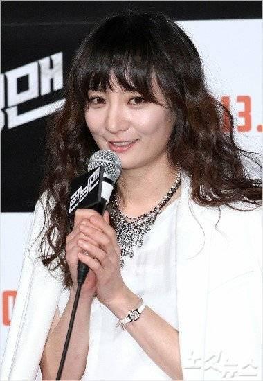 Eun-ji Jo Nude Photos 43
