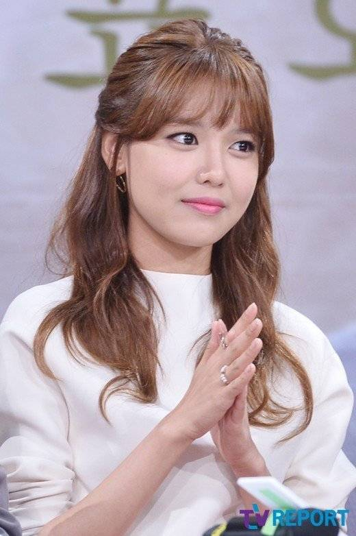 Choi Soo-young (최수영) - Picture Gallery @ HanCinema :: The ... Daily Mail