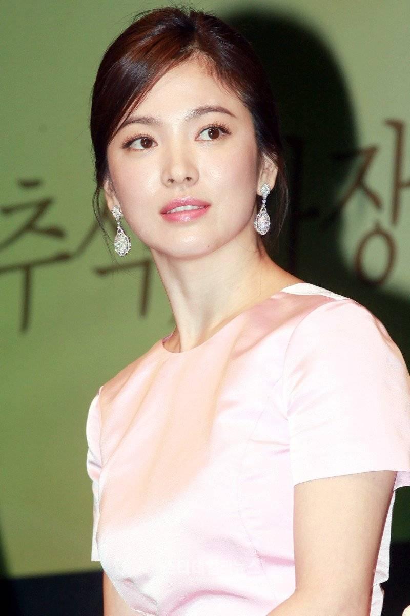 Song Hye-kyo (송혜교, Korean actress) @ HanCinema :: The ...