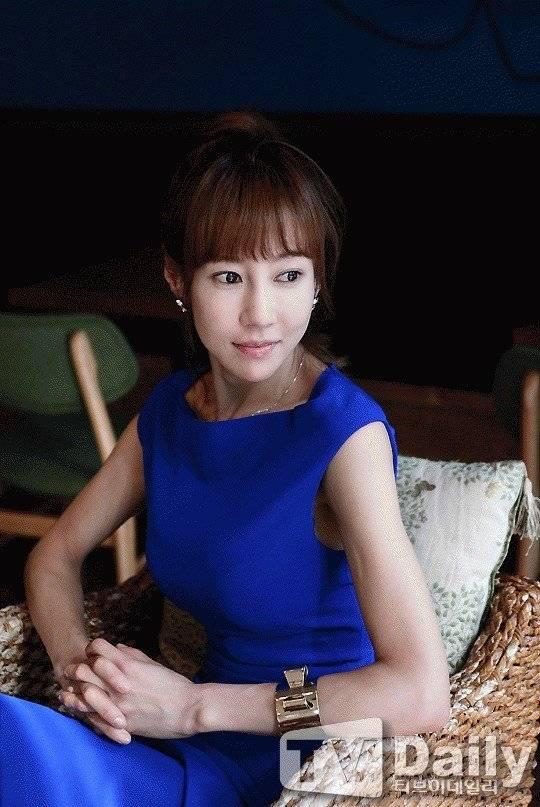Min-seo Chae Nude Photos 21