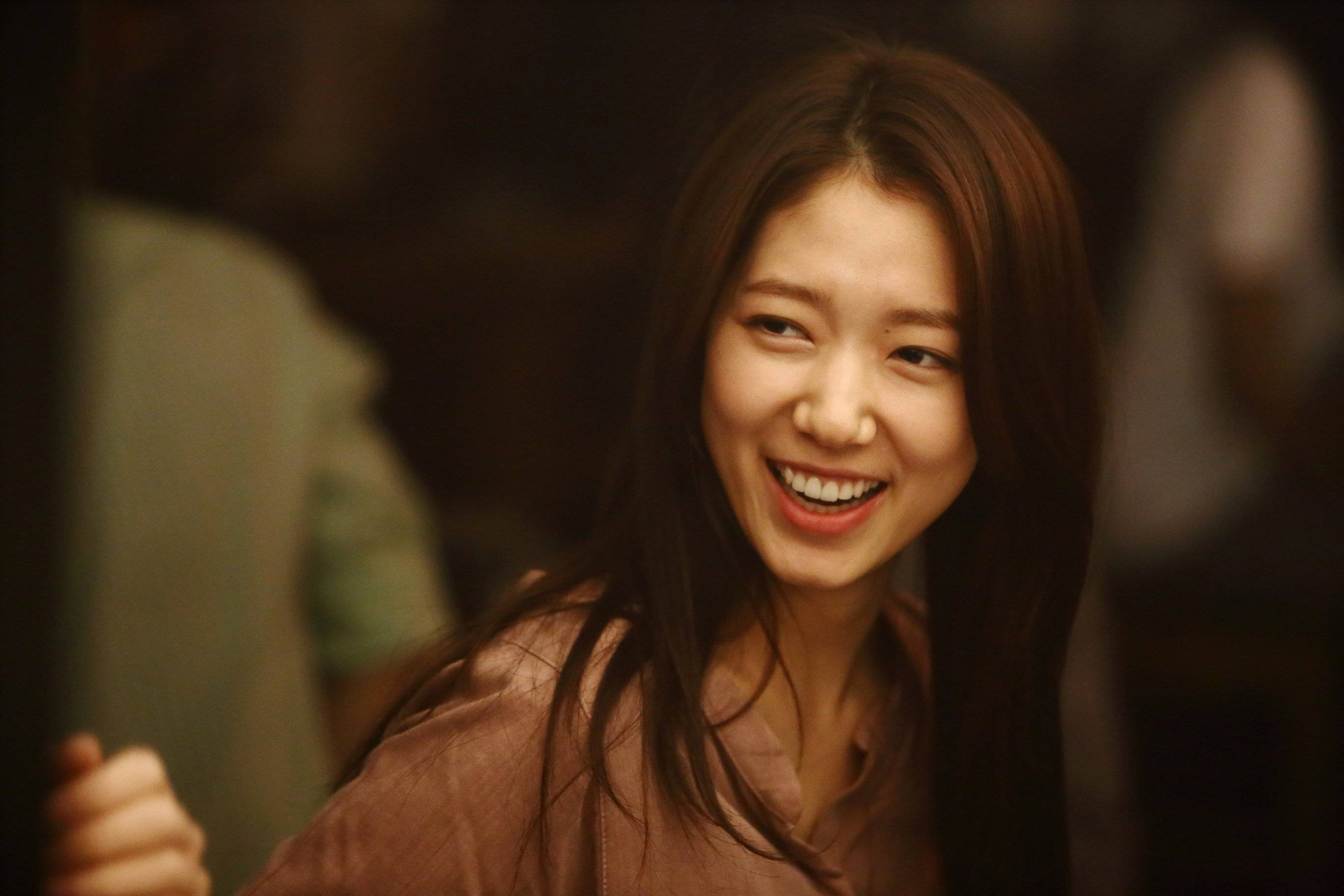 """Beauty Inside"" Park Shin-hye plays a man @ HanCinema ..."