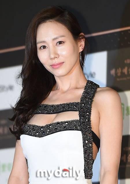 park ye jin picture gallery hancinema korean drama