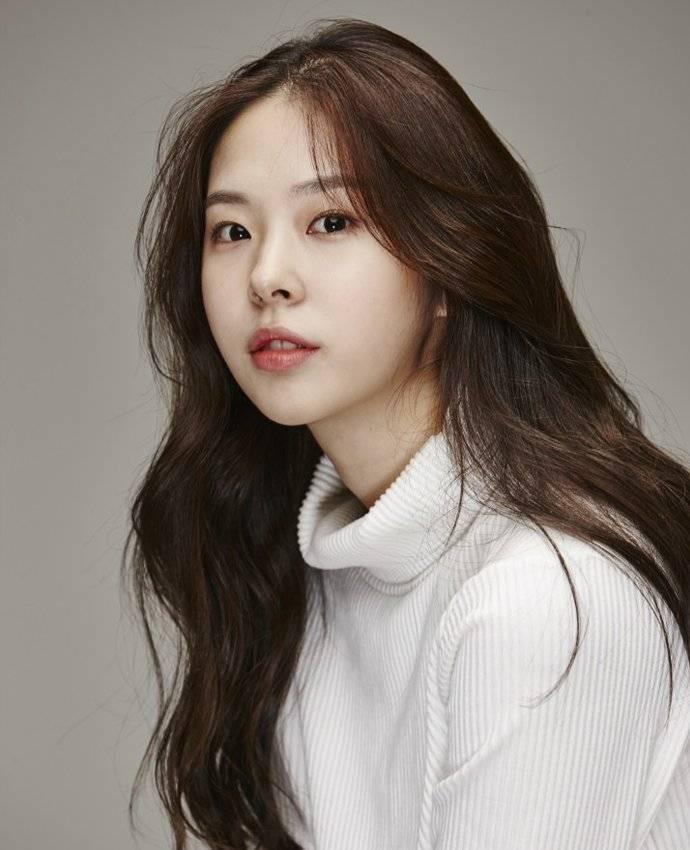 Seo Eun-su (서은수) - Picture Gallery @ HanCinema :: The