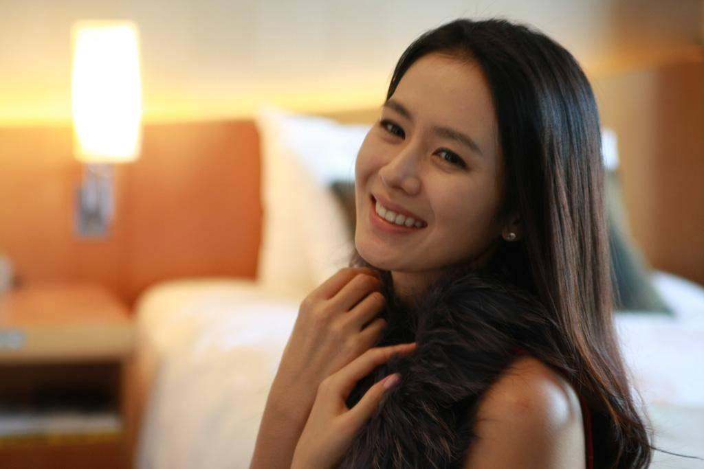 Yunjin Kim Husband Jeong Hyeok Park White Night