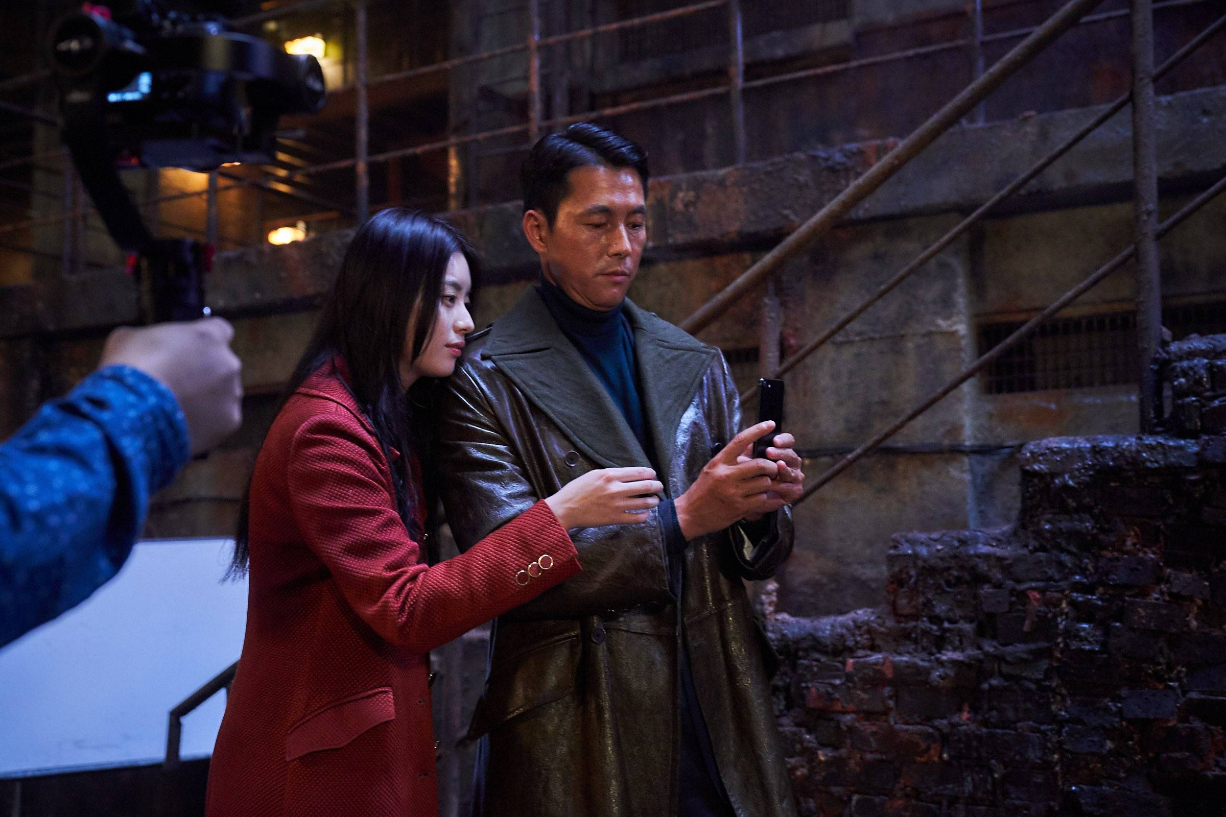 Photos] Jump Behind-the-scenes in Newest Stills for