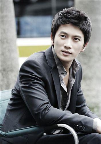Ji Seong Photo111268