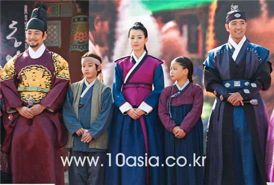 "PREVIEW] MBC TV series ""Dong Yi - Jewel in the Crown"""