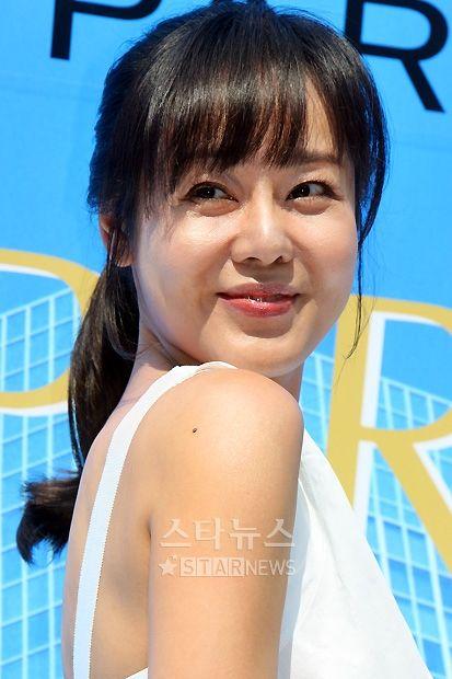Yoon-jin Kim Nude Photos 9
