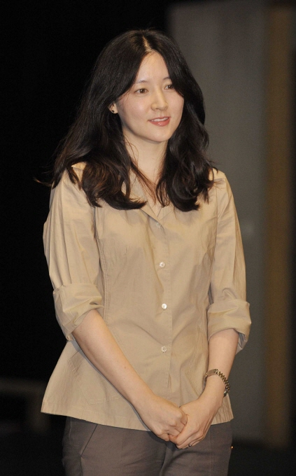 lee youngae pregnant with boygirl twins focus on