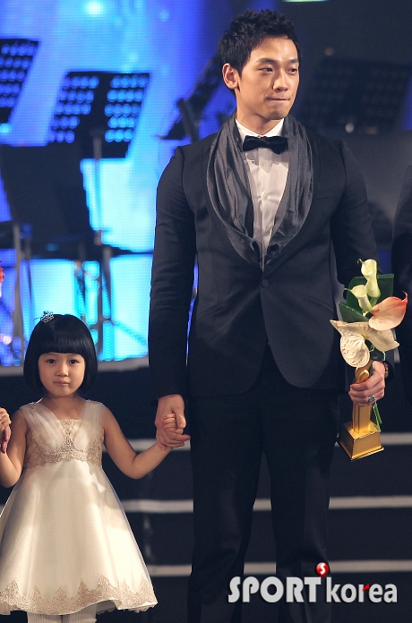 http://www.hancinema.net/photos/photo158089.jpg