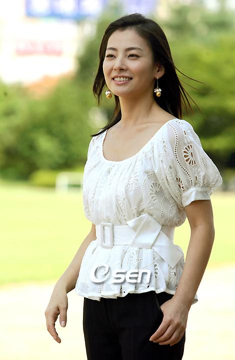 [Photos] Added more pictures for the Korean actress and singer Sung Yu-ri @ HanCinema :: The