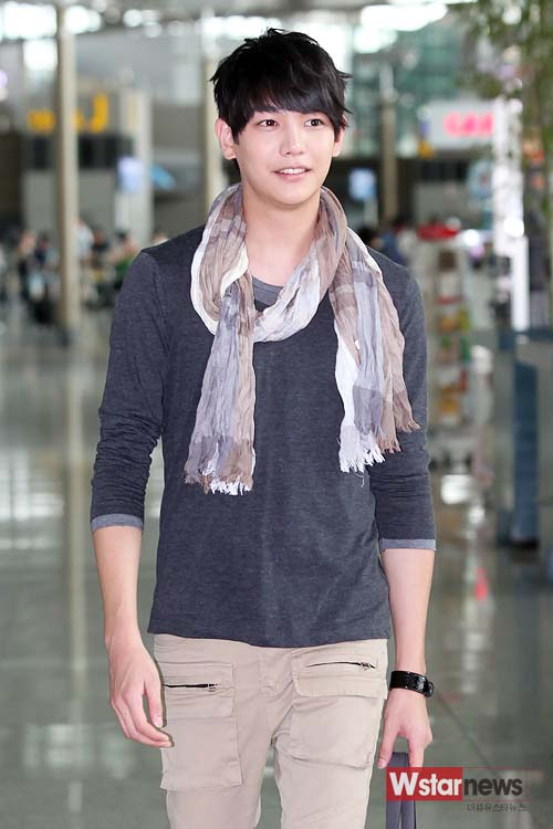 Photo] Rookie Oh Hyeon-woong and his airport fashion