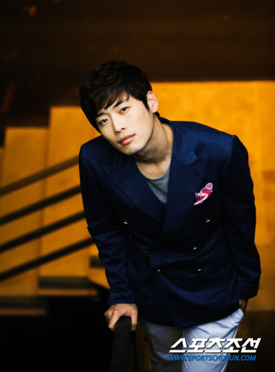 "[Exclusive] Kim Jae-won steps down from ""Me Too, Flower ..."