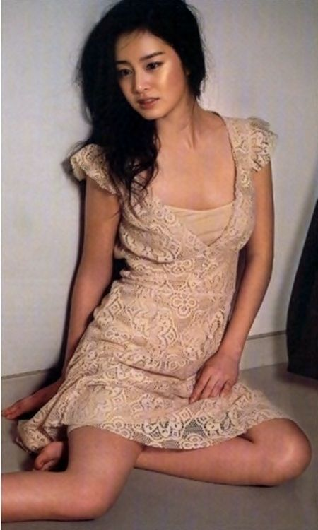 Quot Goddess Quot Kim Tae Hee On The Floor With A Nude Dress
