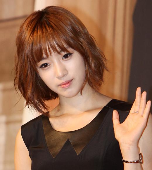 "Ham Eun-jeong Sues ""Five Fingers"" To Regain Reputation"