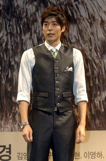 Seo Ji Suk Gets Married In May Hancinema The Korean