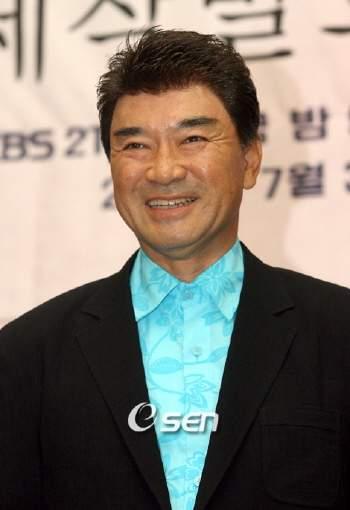 <b>Lee Deok</b>-hwa (이덕화, Korean actor) @ HanCinema :: The Korean Movie and ... - photo29807