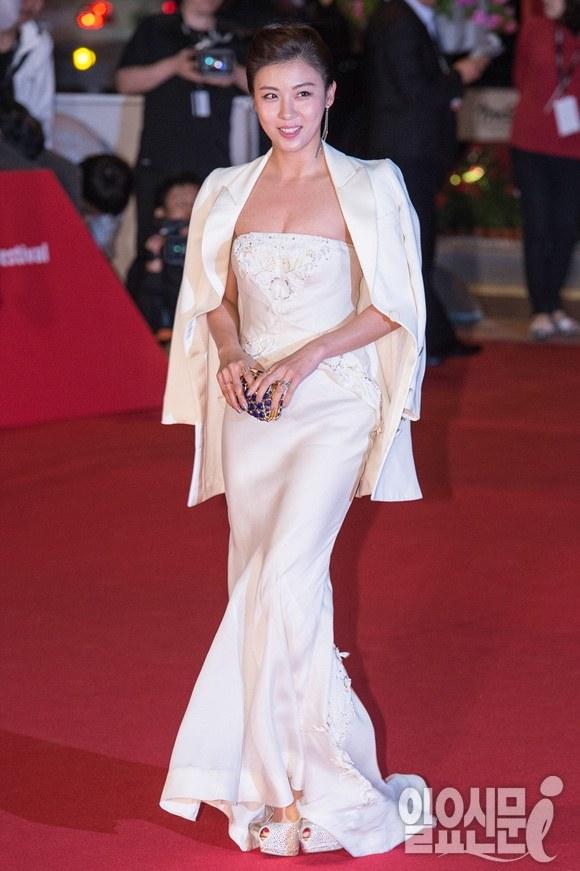 Ha Ji-won  Na Yeon Choi Dress