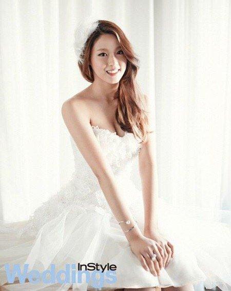 Wedding Dress Korea 50 Ideal AOA members Seolhyun and