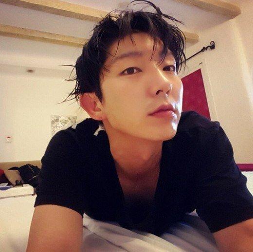Lee Joon-gi looking ever handsome