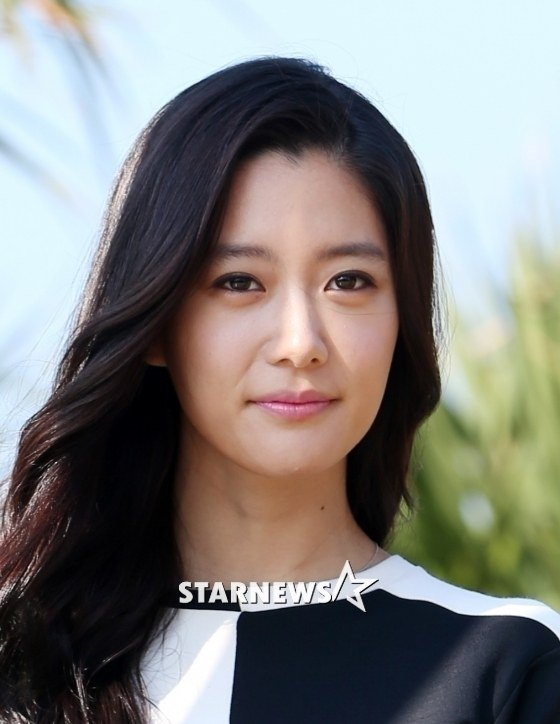 Actress Clara is free of the claim that she threatened chairman Lee Gyu-tae from Ilgwang Group. - photo613533