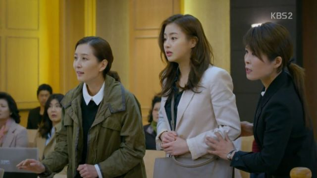 Mal-sook's deighter, Eun-jo and Ae-ra