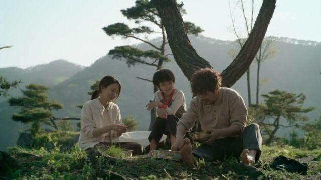Moo-myeong's family