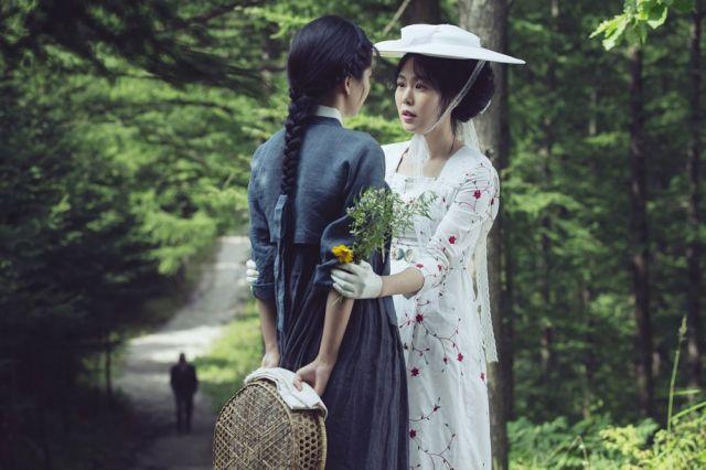 아가씨 the handmaiden kim min hee kim tae ri lesbian sex scene - 2 2