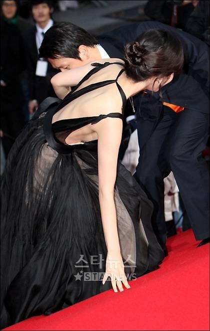 Chanmi Take Oops Careful The Dresses Hancinema Korean Movie And Drama