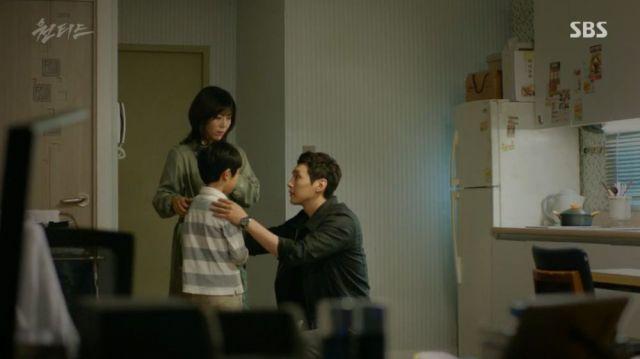 Han-sol, his mum and Seung-in