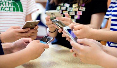 Smartphone Use Hurts Language Development @ HanCinema ...