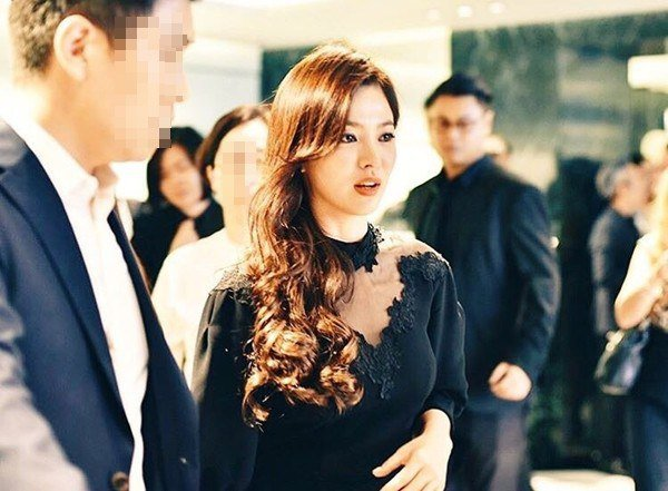 Song Hye Kyo Looks Exquisite In A Black See Through Dress