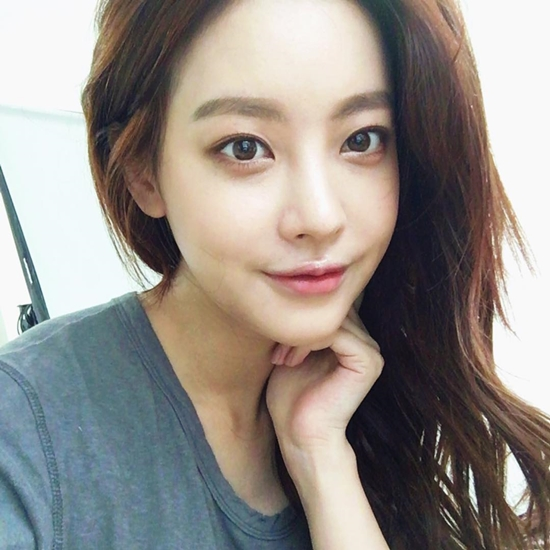 Run Off Actress Oh Yeon Seo Looks Gorgeous In Fresh Face