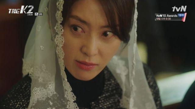 Yoo-jin glaring at Ahn-na