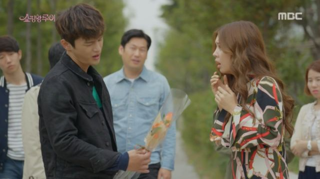 Ma-ri's first proper meeting with an amnesiac Ji-seong